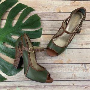 Seychelles retro style green peep toe block heels